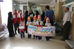 جمعی از پرسنل جمعیت هلال احمر شهرستان از بیمارستان سیدالشهدا بازدید کردند.